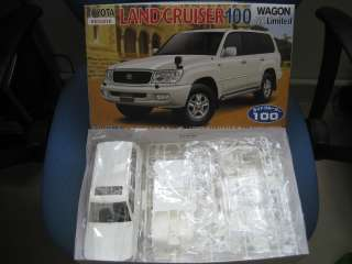 Toyota Land Cruiser 100 series 1/24 model kit Fujimi