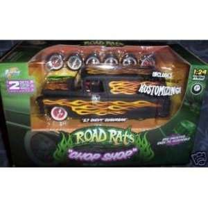 Road Rats Chop Shop 57 Chevy Suburban Metal Model Kit