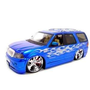 LINCOLN NAVIGATOR BLUE 118 DUB DIECAST MODEL Toys & Games