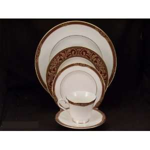 Royal Doulton Tennyson #H5249 5 Pc Place Setting(s) W