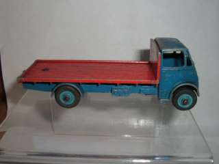 DINKY TOYS GUY FLATBED WAGON TRUCK VINTAGE USED TAKE A LOOK AT THE
